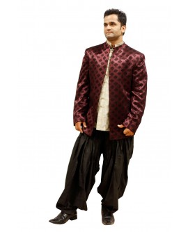 AUM DESIGN A SMART JODHPURI IN JAQUARD SUIT AND BLACK PATIALA SALWAR